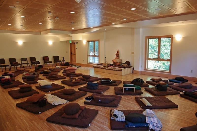 Mediation mats arranged on floor